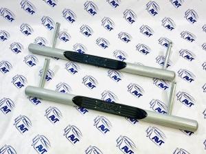 Пороги металлические ВАЗ 2121-214 (Нива, Нива Урбан) труба с проступью, с металлической заглушкой 76 мм (Металл-Дизайн)